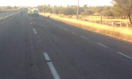 ¡Comerciante murió destrozado por varios vehículos tras caer de su motocicleta en Aguascalientes!
