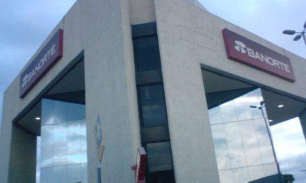 ¡Asaltaron a otros dos cuentahabientes y les robaron $250 mil en efectivo en Aguascalientes!
