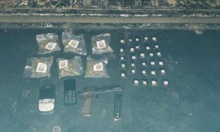 ¡Elementos de la PEP detuvieron a 3 sujetos con un arma corta y drogas en Luis Moya!