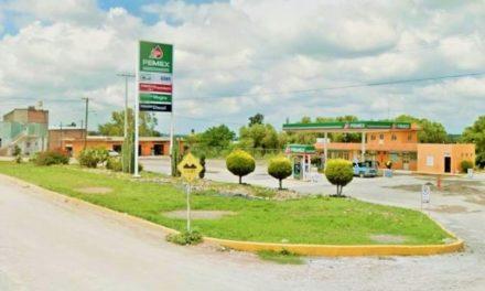 ¡Empresario gasolinero se salvó de ser asesinado a balazos al intentar asaltarlo en Encarnación de Díaz!