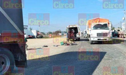 ¡Grave joven motociclista arrollado por un tráiler en Lagos de Moreno!