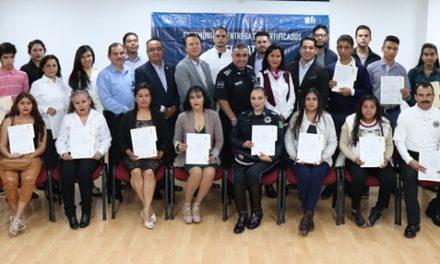 ¡Entrega IEA certificados a egresados de preparatoria abierta!