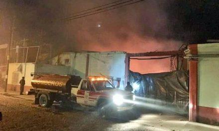 ¡Otro incendio en una fábrica de suelas en Lagos de Moreno!