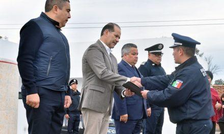 ¡Entregó el gobernador estímulos económicos a policías estatales destacados!