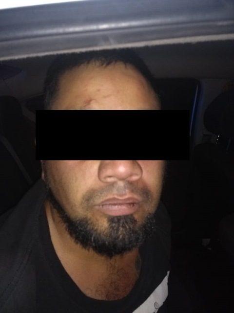 ¡Tras persecución, policías municipales de Aguascalientes detuvieron a pistolero que amenazó a un taxista!