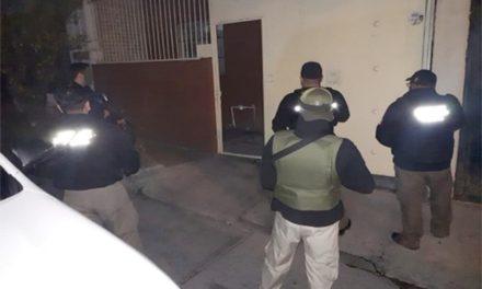 ¡Agentes federales catearon una casa y detuvieron a un traficante de drogas en Aguascalientes!