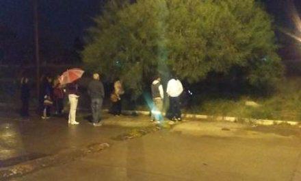 ¡Un ciudadano y policías municipales de Aguascalientes evitaron que una persona se quitara la vida!
