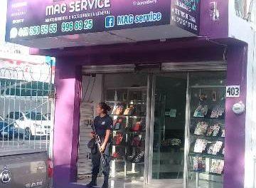 ¡4 delincuentes asaltaron un negocio de celulares en Aguascalientes!