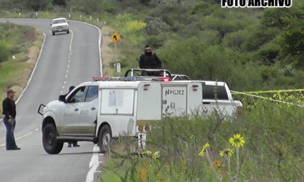 ¡Hallaron a un hombre ejecutado a un lado de la carretera a Bañón en Fresnillo!