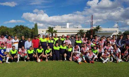 """¡""""Cascarita"""" de fútbol entre funcionarios de Gobierno y Club Necaxa!"""