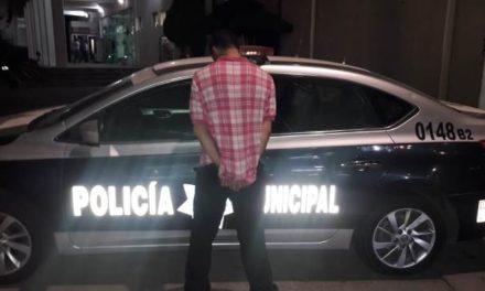 ¡Policías municipales de Aguascalientes detuvieron a un robacoches tras una persecución y choque!