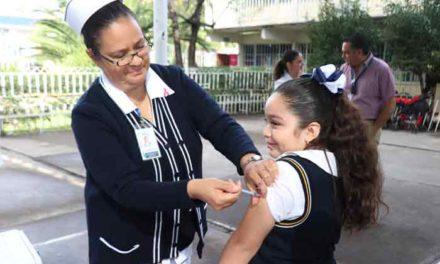 ¡La vacunación y lavarse las manos son la mejor manera de evitar contagiarse de Influenza!
