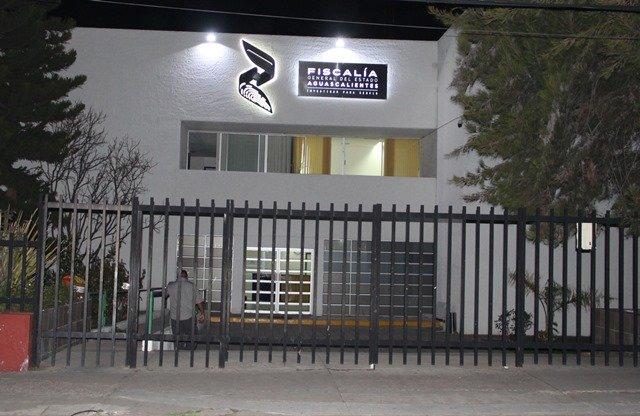 ¡Detuvieron a 2 policías municipales que extorsionaban a un trabajador en Aguascalientes!