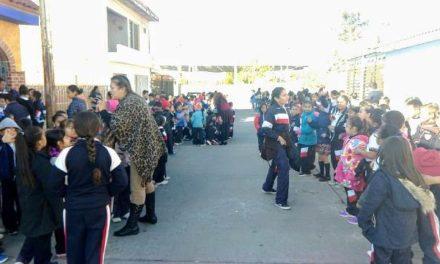 ¡Amenaza de bomba en una escuela primaria en Aguascalientes provoca evacuación de alumnos y maestros!