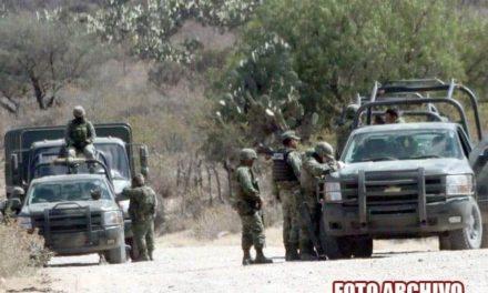¡Confusión desató enfrentamiento entre militares y elementos de la FUR en Encarnación de Díaz!