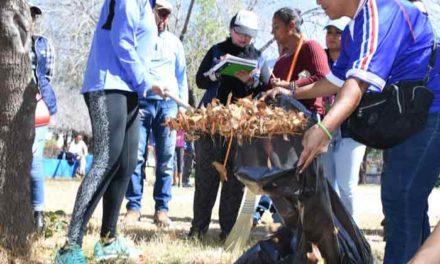 ¡Familias del fraccionamiento San Marcos participan con el Municipio en la mejora de su entorno!