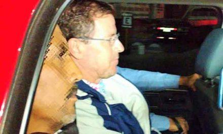 ¡Arturo Solano arriba al edificio de la Fiscalía General de Aguascalientes!