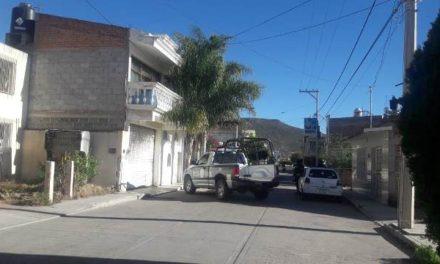 ¡Catearon un domicilio baleado en Jerez: detuvieron a una pareja y aseguraron un arsenal!