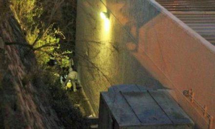 ¡Hallaron a una mujer muerta en un callejón junto a un puente en Zacatecas!