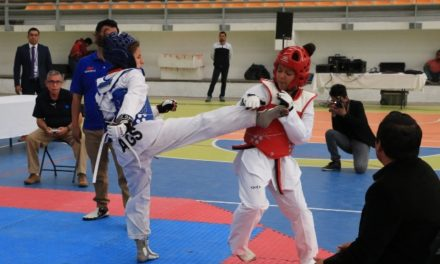 ¡Más de 200 taekwondoines compiten por el selectivo estatal!