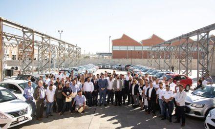 ¡Coordinación de Movilidad arrancó entrega de hologramas a 177 vehículos de las plataformas Taxify, Uber y Fiu!