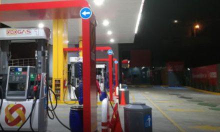 ¡Intentaron asesinar de un disparo a un despachador en una gasolinera al resistirse a un asalto en Zacatecas!