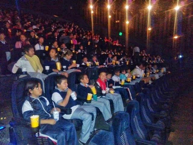 ¡Llevan al cine a niños de escasos recursos de Jesús María!