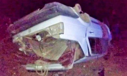 ¡Volcadura de un auto en Guadalupe dejó 2 jóvenes muertos y 1 lesionado!