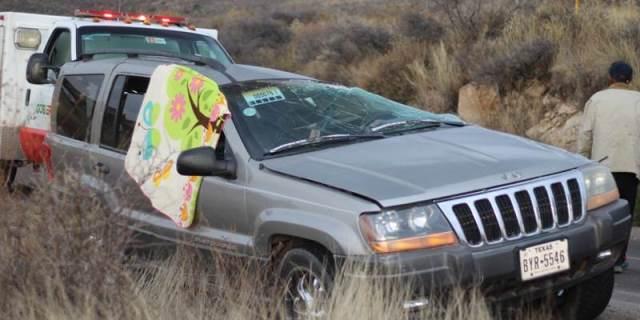 ¡Choque-volcadura entre 2 camionetas dejó 1 mujer muerta en Genaro Codina!