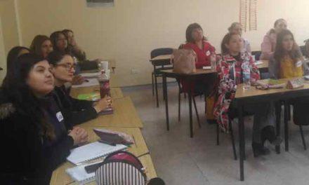 ¡IEA fortalece programa escuela bilingüe a través de cursos de inglés a docentes de educación básica!