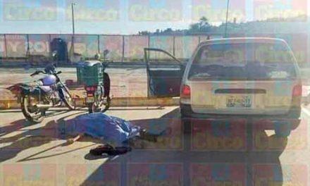 ¡Ejecutaron a un hombre en el estacionamiento de una papelería en Lagos de Moreno!