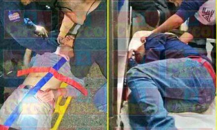 ¡Graves 2 motociclistas embestidos por una camioneta en Unión de San Antonio!