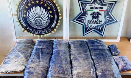 ¡Capturan a 4 personas que transportaban 14 kilos de crystal en el toldo de un vehículo en Zacatecas!