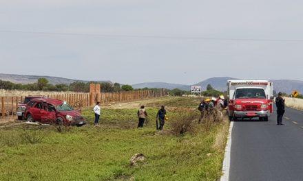 ¡Mujer lesionada tras la volcadura de una camioneta en Jerez!