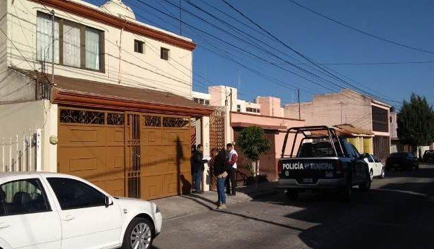¡Ancianita fue asaltada en su domicilio en Aguascalientes por un pistolero!