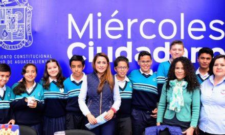 ¡Reconoce Tere Jiménez talento de jóvenes estudiantes de secundaria!
