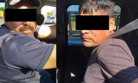 ¡Policías estatales de Aguascalientes detuvieron a 2 sujetos con un arma de fuego!