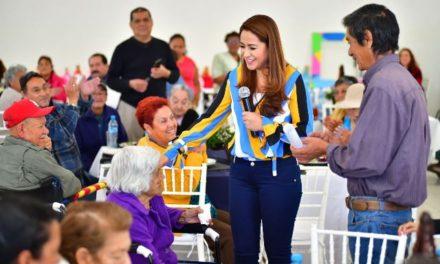 ¡Tere Jiménez entrega apoyos a personas con discapacidad!