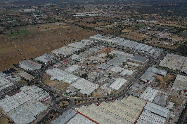 ¡La obra pública estatal favorece la competitividad industrial!