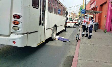 ¡Mujer murió aplastada por un camión urbano en el Centro de Aguascalientes!