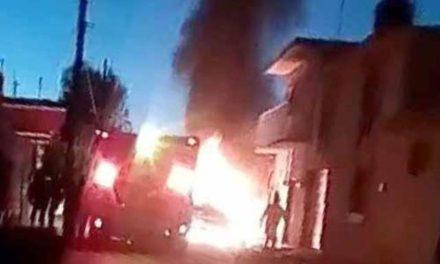 ¡Terrible atentado a una familia en Loreto: murió la mamá y el papá y 3 niños resultaron con quemaduras!