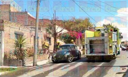 ¡Bomberos Municipales sofocaron incendio en una casa en Lagos de Moreno!