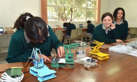 ¡Aguascalientes pionero a nivel nacional en la enseñanza de robótica en alumnas de secundaria!