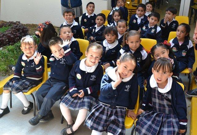 ¡ISSEA realiza acciones en instituciones escolares para la prevención de piojos!