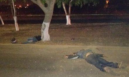 ¡Padre e hijo motociclistas murieron tras chocar contra un árbol en Aguascalientes!