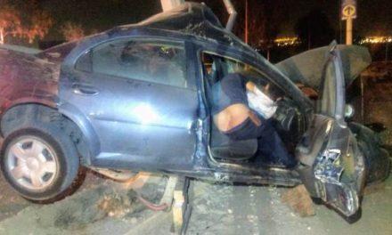 ¡2 muertos y 1 lesionado tras fuerte accidente en Aguascalientes!