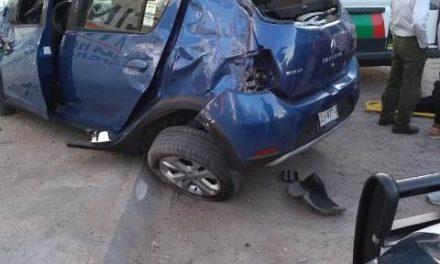 ¡Camioneta chocó contra una barda y 3 mujeres resultaron lesionadas en Aguascalientes!