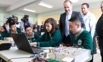 ¡Continuará impulsando Gobierno Estatal temas de tecnología y lógica matemática en secundarias!