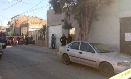 ¡Ejecutaron a balazos a un vendedor de drogas dentro de su casa en Aguascalientes!