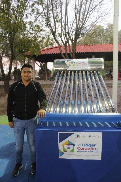 ¡Tere Jiménez apoya a 4 mil familias con calentadores solares!